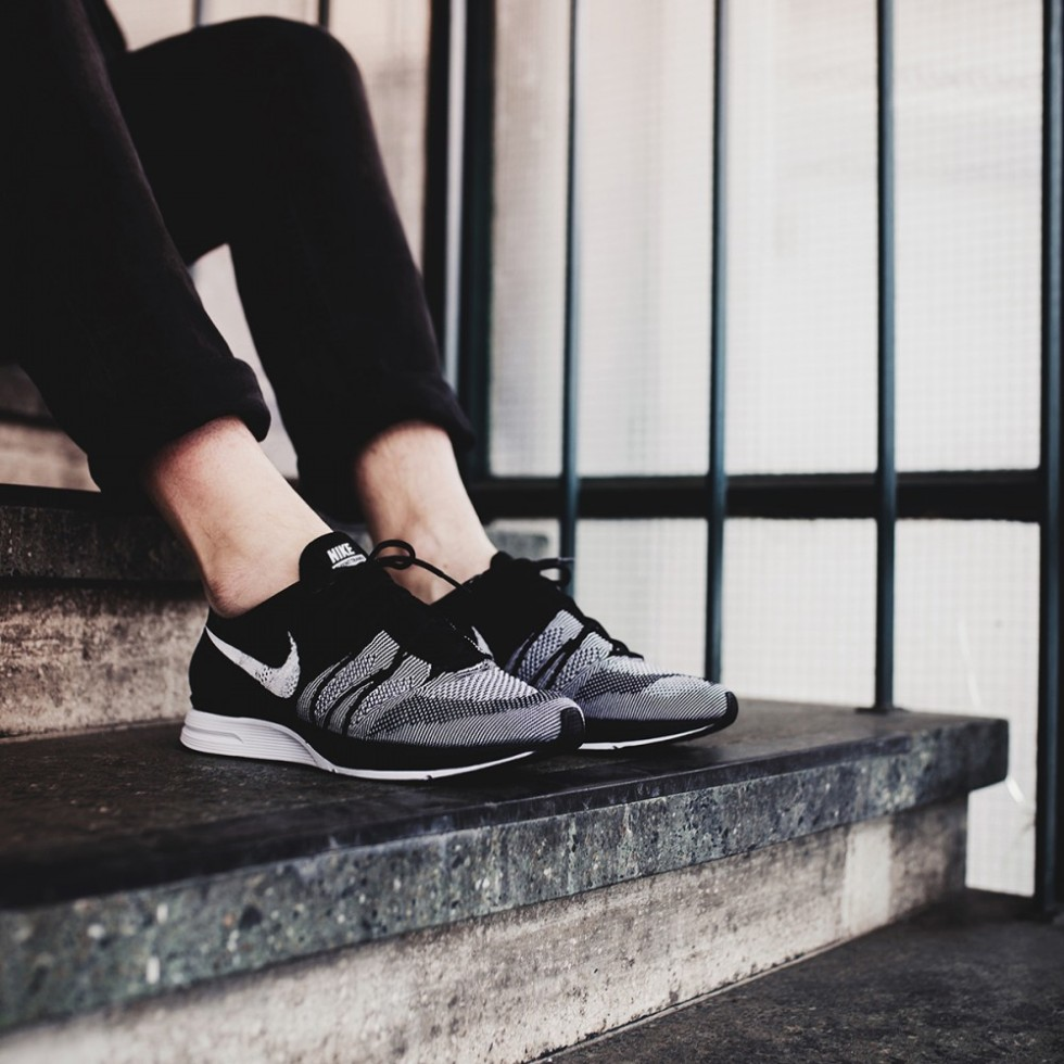 42a839bb48a7 NIKE FLYKNIT TRAINER  OREO